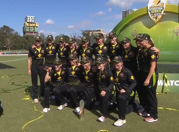 Australia-women's tri series champions