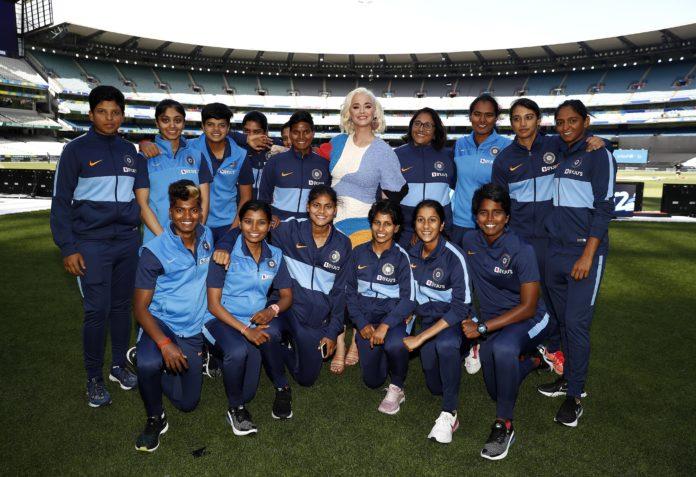 Katy Perry met with Indian women's team