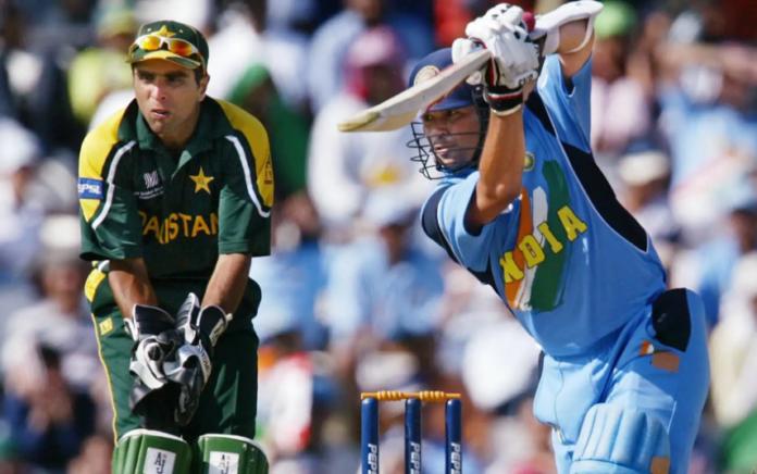 Sachin Tendulkar scores maiden ODI century vs Pakistan in Singapore