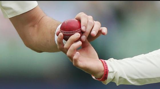 Barry Richards idea to shine the cricket ball