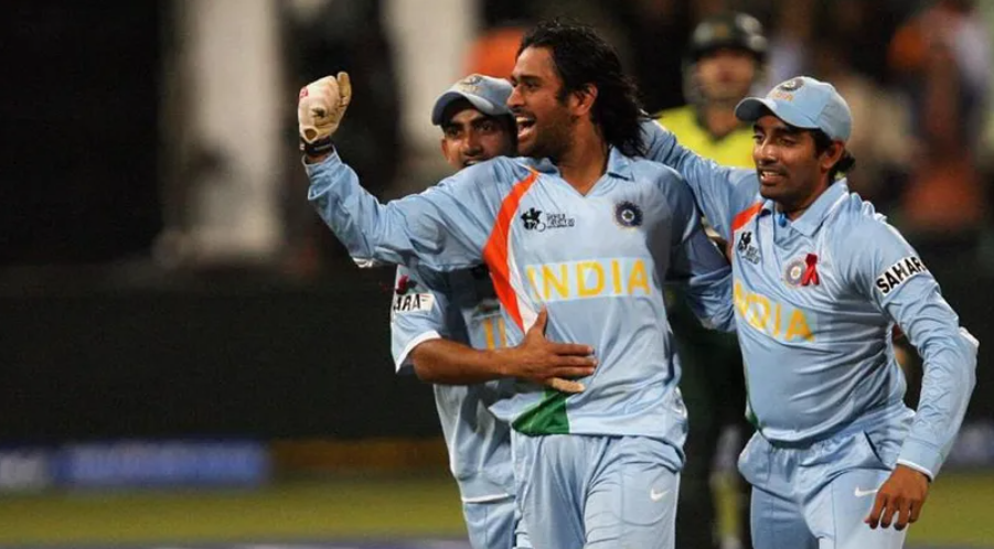 Dhoni in 2007 T20 World Cup
