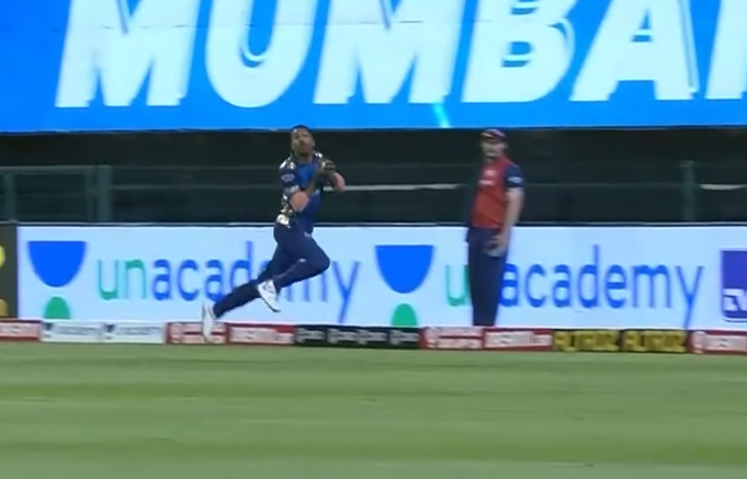 Hardik Pandya impressive catch to dismiss Rana for 24 runs