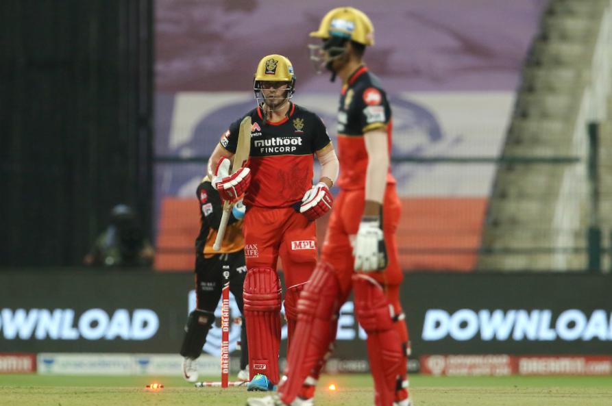 Ab de Villiers dismissed by Natarajan after scoring 56 runs