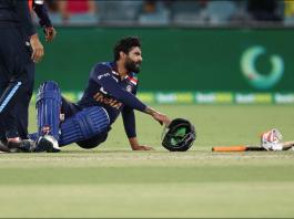 Jadeja injured in the last over of the 1st innings of Australia vs India 1st T20I match