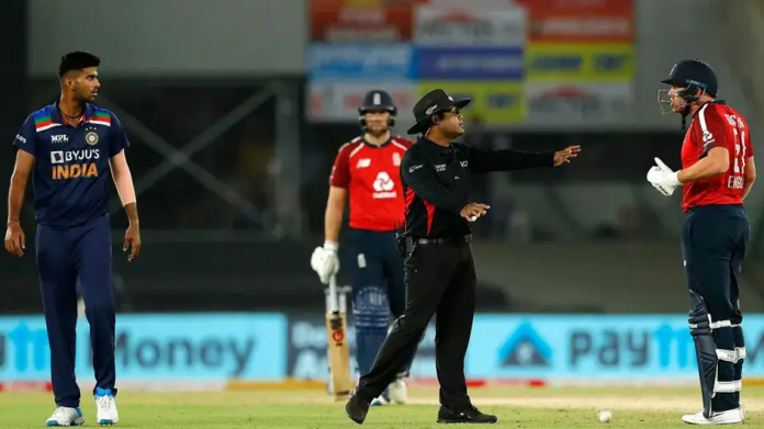 Umpire Nitin Menon had to intervene to cool off the situation in the first T20I between Washington Sundar and Jonny Bairstow
