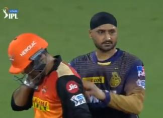 SRH vs KKR IPL 2021: Harbhajan Singh comforts Nabi who took a body hit