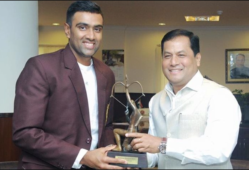 R Ashwin awarded with the Arjuna Award in 2014