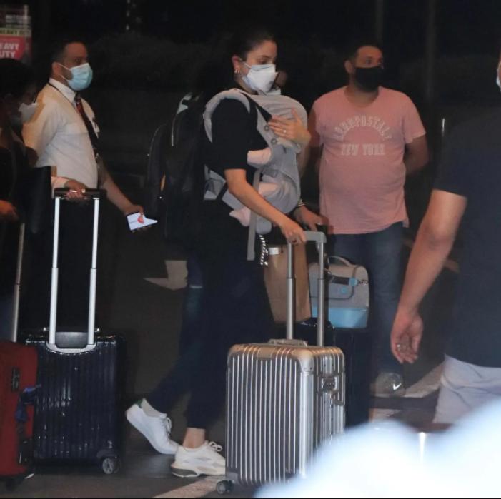 Virat Kohli Anushka Sharma Recent Pic at Airport