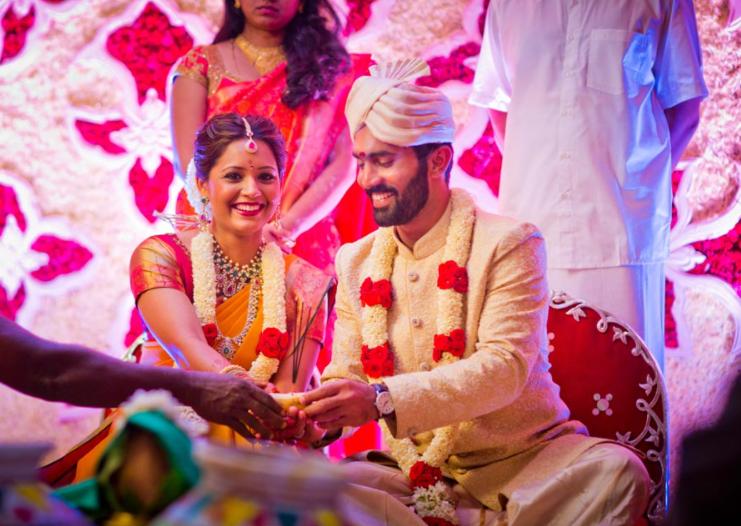 Dinesh Karthik wife