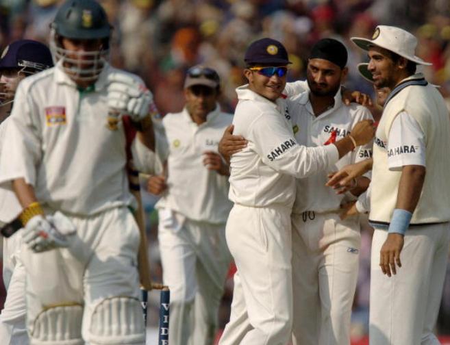 India beats Australia in 2001 Test series