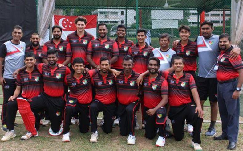 Tim David with Singapore cricket players